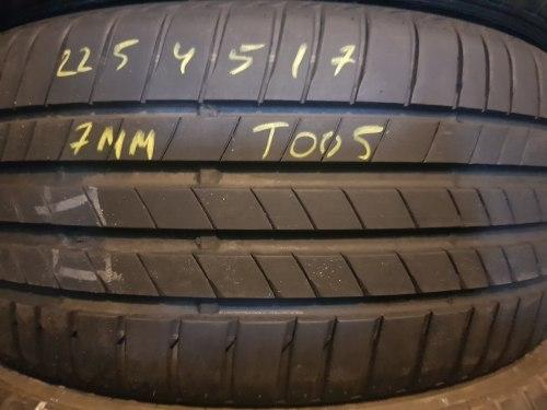 Одна шина 225/45R17 Bridgestone T005
