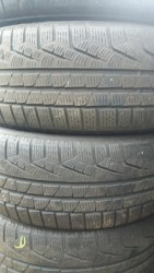 Комплект шин 225/50R18 Pirelli W210