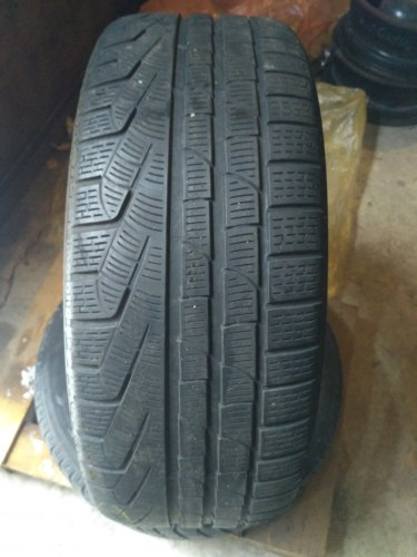 Комплект шин 245/45R18 Pirelli Winter 240 Run flat
