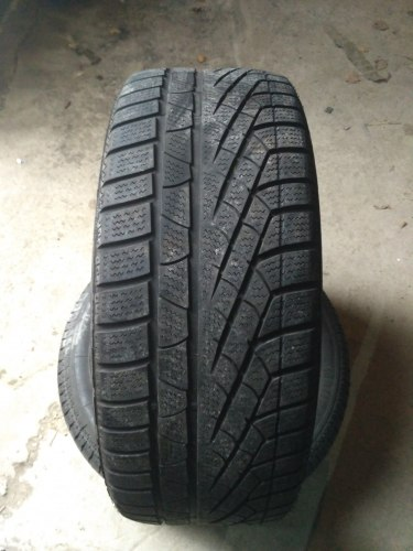 Пара шин 235/50R18 Pirelli Sottozero Winter 240