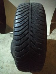 Пара шин 205/60R16 Goodyear Vector4Season