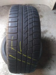 Пара шин 215/55R17Hankook Ice Bear W 300
