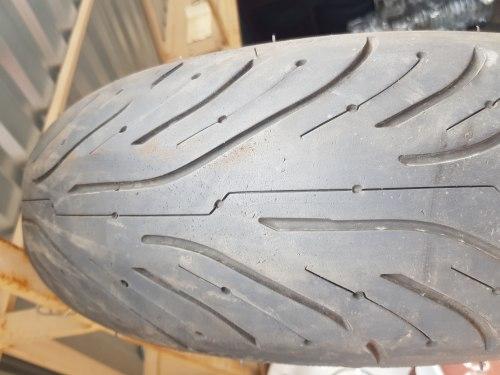 Мотошины 180/55 zr17 Michelin Pilot Road 4 GT 20 29 неделя 14 год 10% износ