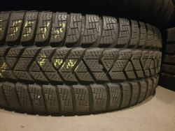 Одна шина 215/55R17 Pirelli Sottozero 3