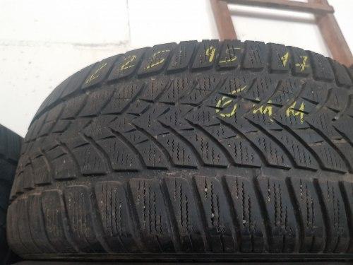 Одна шина 225/45R17 Dunlop 4D