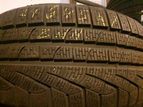 Одна шина 245 45 R17 Pirelli Sottozero 2 Series 8 мм