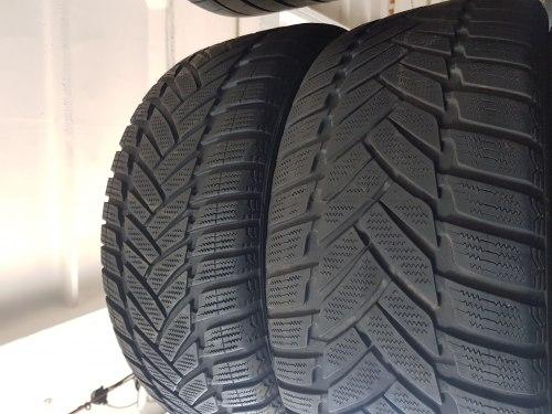 Порошин 245 45 R18 Dunlop Winter Sport M3
