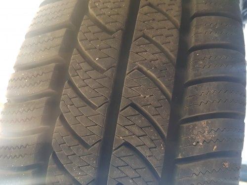 Одна шина 225 65 r16c Continental Vancowinter 2 состояние нового