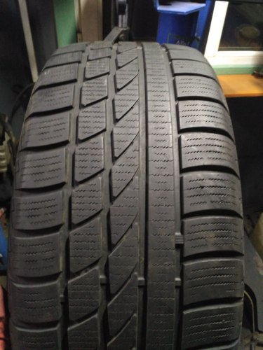 Пара шин 225/45R17 Hankook Ice Bear W 300
