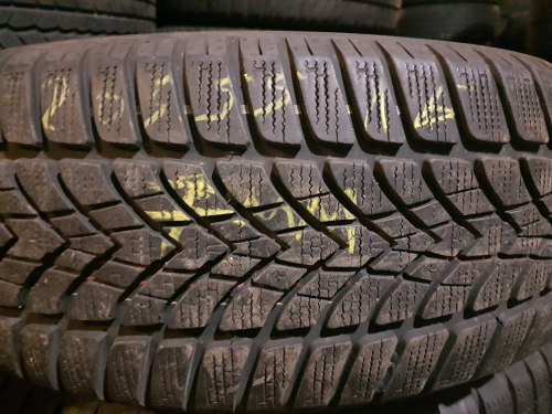 Одна шина 205 55 R16 Dunlop SP Winter Sport 4D 7 мм