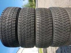Комплект шин 225/60 R17 Bridgestone Blizzak DM V2 4 мм 6 мм