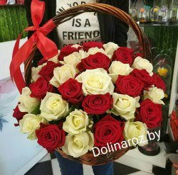 """Корзина с розами """"Два цвета"""" 51 роза"""