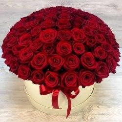 """Коробка с цветами """"Красная"""" 101 роза"""
