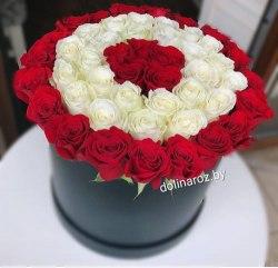 Коробка с красными и белыми розами 51 роза