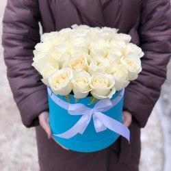 Коробка с 25 белыми розами 25 роз