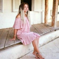 Платье с открытыми плечами DAISY розовое