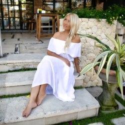 Платье с открытыми плечами FLOW белое