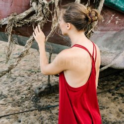 Платье на тонких бретельках МINO макси красное
