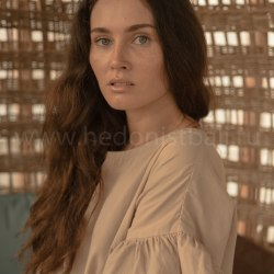 Блузка с объемными рукавами DAHLIA кремовая