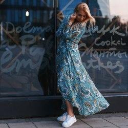 Платье NORA длинное голубое с принтом