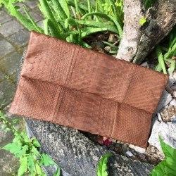 Клатч из натуральной кожи питона коричневый размер S