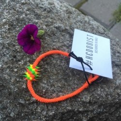 Браслет с силиконовой вставкой оранжевый яркий