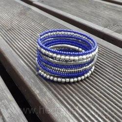 Браслет из бисера синий с серебряным