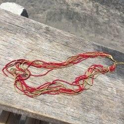 Бусы из бисера длинные красные с золотым