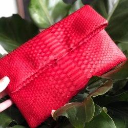 Клатч из натуральной кожи питона красный размер S