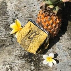 Кошелек для мелочи из кожи питона желтый с орнаментом