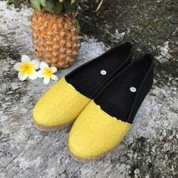 Эспадрильи из натуральной кожи питона черные с желтым