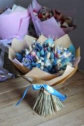 Букет-макси нежный с синим из сухоцветов