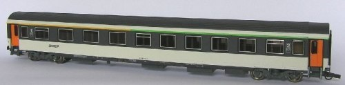 Французский пассажирский вагон 1/2 класса SNCF ROCO 45748
