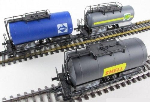 "Cет трех немецких 2-осных цистерн ""Aral"", ""BP"", ""Shell"" DB ROCO 44088"