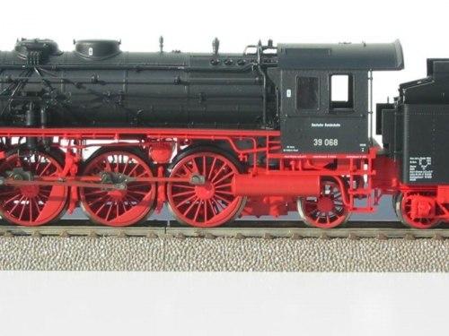 Немецкий паровоз BR 39 DB Fleischmann 4135