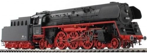 Немецкий пассажирский паровоз Reko BR 01.5 DR/DDR Märklin 39205