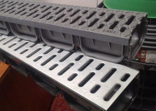 Лоток водоотводный ЛВ-10.14.07-ПП пластиковый серый с решеткой пластиковой кл.А (комплект) Spark
