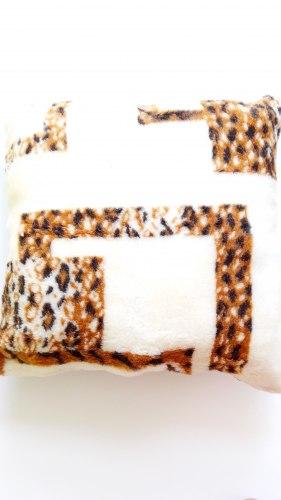 Подушка меховая декоративная ПД11410304