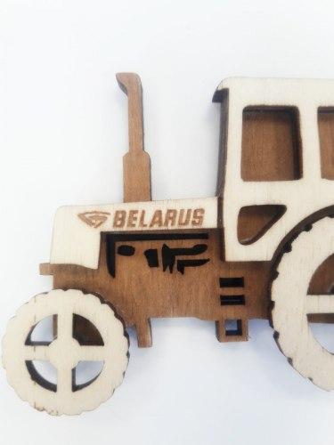 """Магнит фирменный """"Беларус 82.1"""" 932-84"""