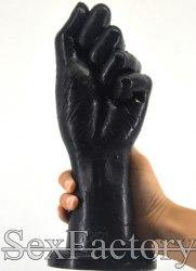 Анальный кулак