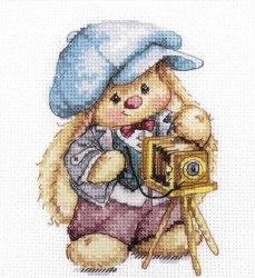 Набор для вышивания Алиса Зайка Ми. Фотограф