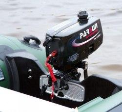 Моторная лодка Kolibri KM-300D