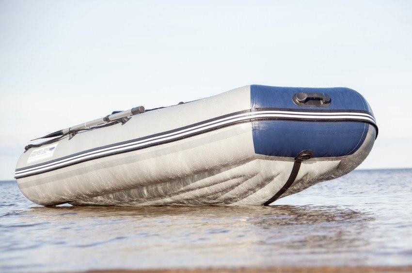 лодка когда-то бывшая деревом