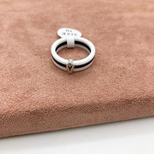 Кольцо из керамики 17 KER-0035