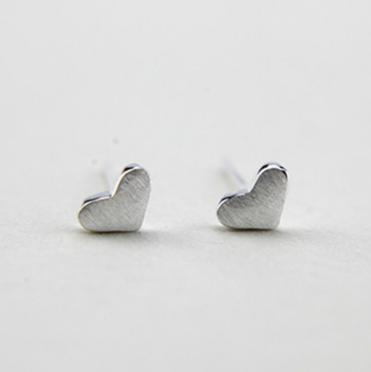 Гвоздики Сердечки с посеребрением s-161