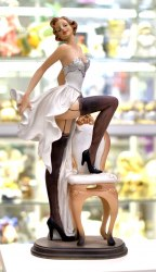 "Статуэтка ""Девушка Пин-ап на стуле"" art.10148"