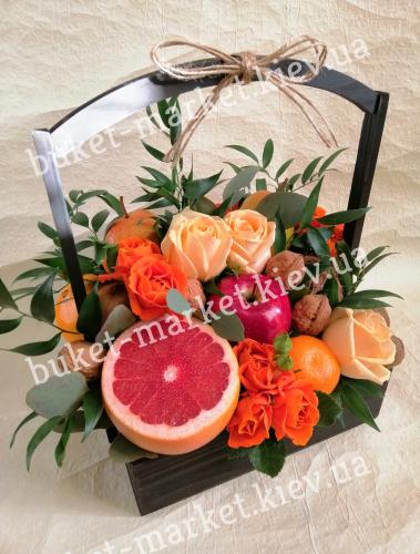 Букет с фруктами и цветами №331