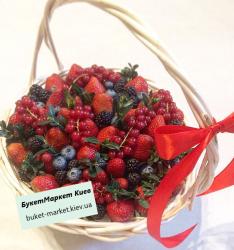 Корзина с клубникой и ягодами №318, Ø21-23 см.