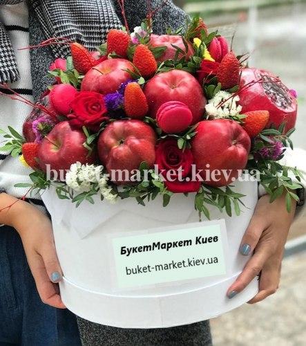 """Букет из фруктов в коробке """"Панна"""" №341, Ø30 см"""