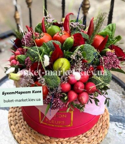 """Овощной букет в коробке """"Чили барон"""" №342, Ø30 см."""